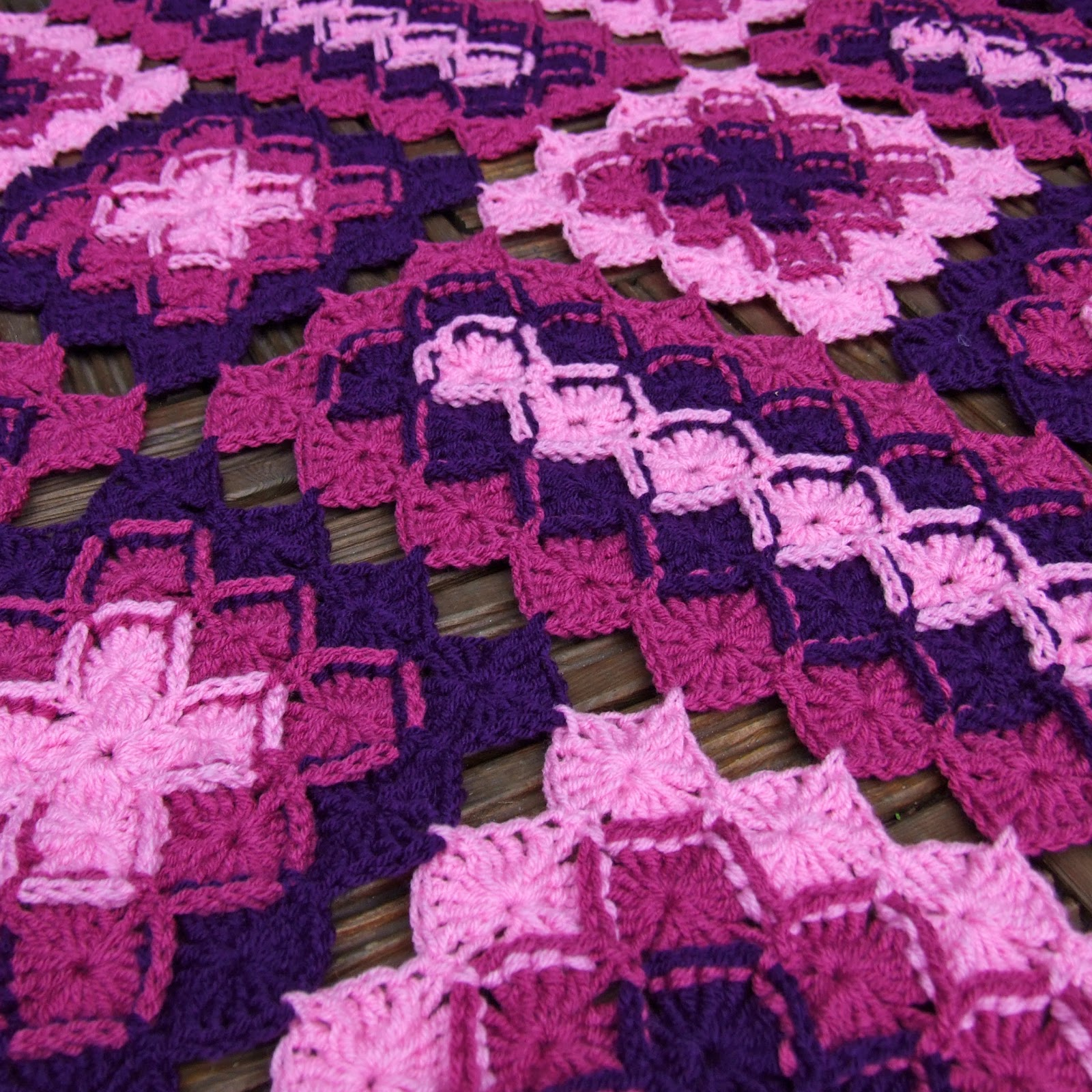 Bavarian Lap Blanket - WoolnHook by Leonie Morgan