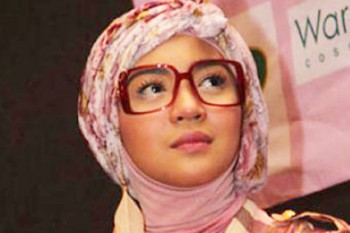 Nuri Maulida Hijab dan Jilbab