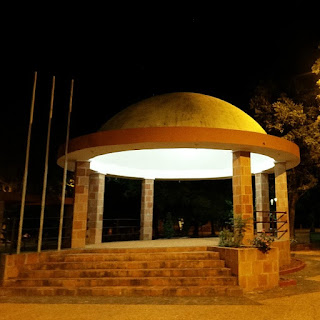 Praça de San Cosme y Damián, em formato de planetário.