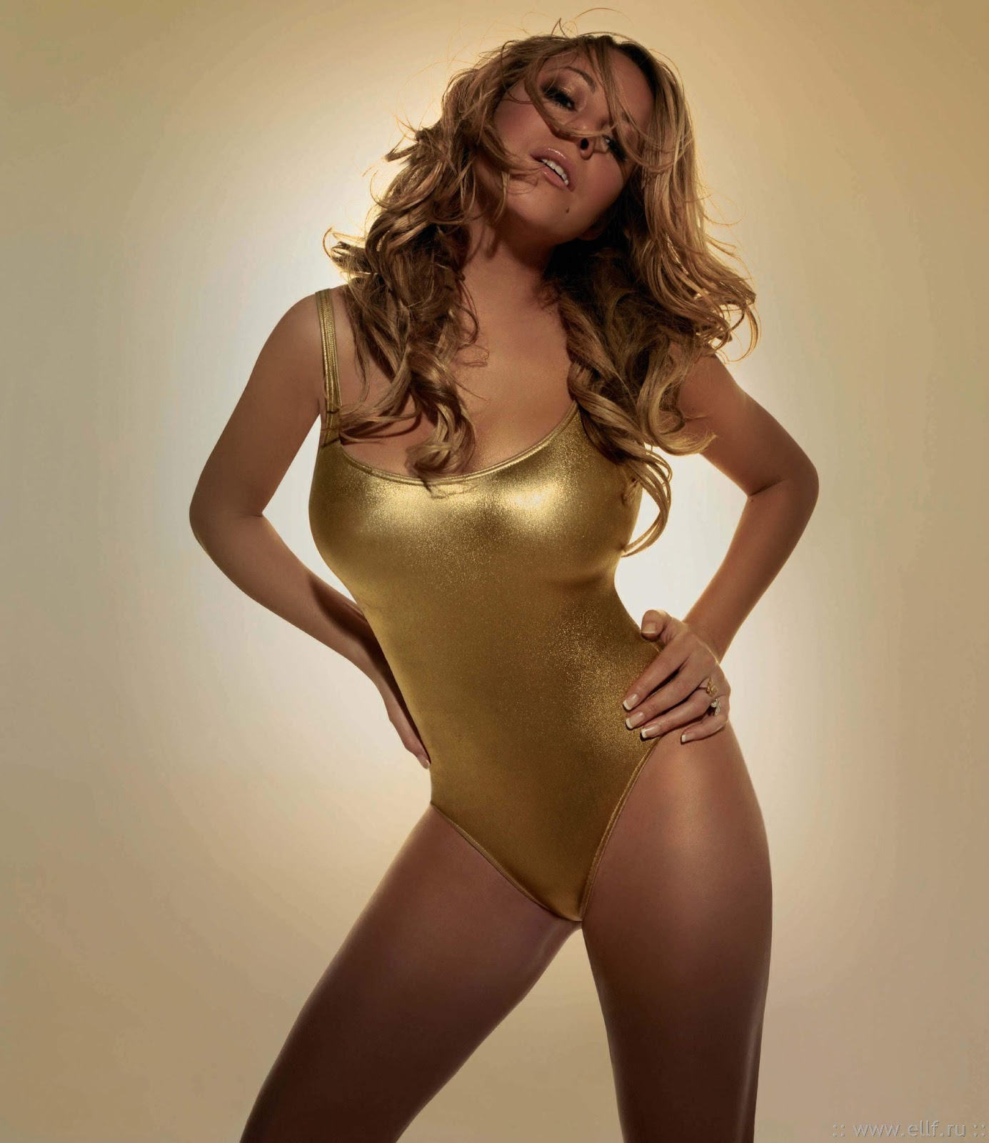http://4.bp.blogspot.com/-HhBVlOiZB80/URfay6padYI/AAAAAAAAwm8/nhVsFoRvwxw/s1600/Mariah-Carey-swimsuit.jpg