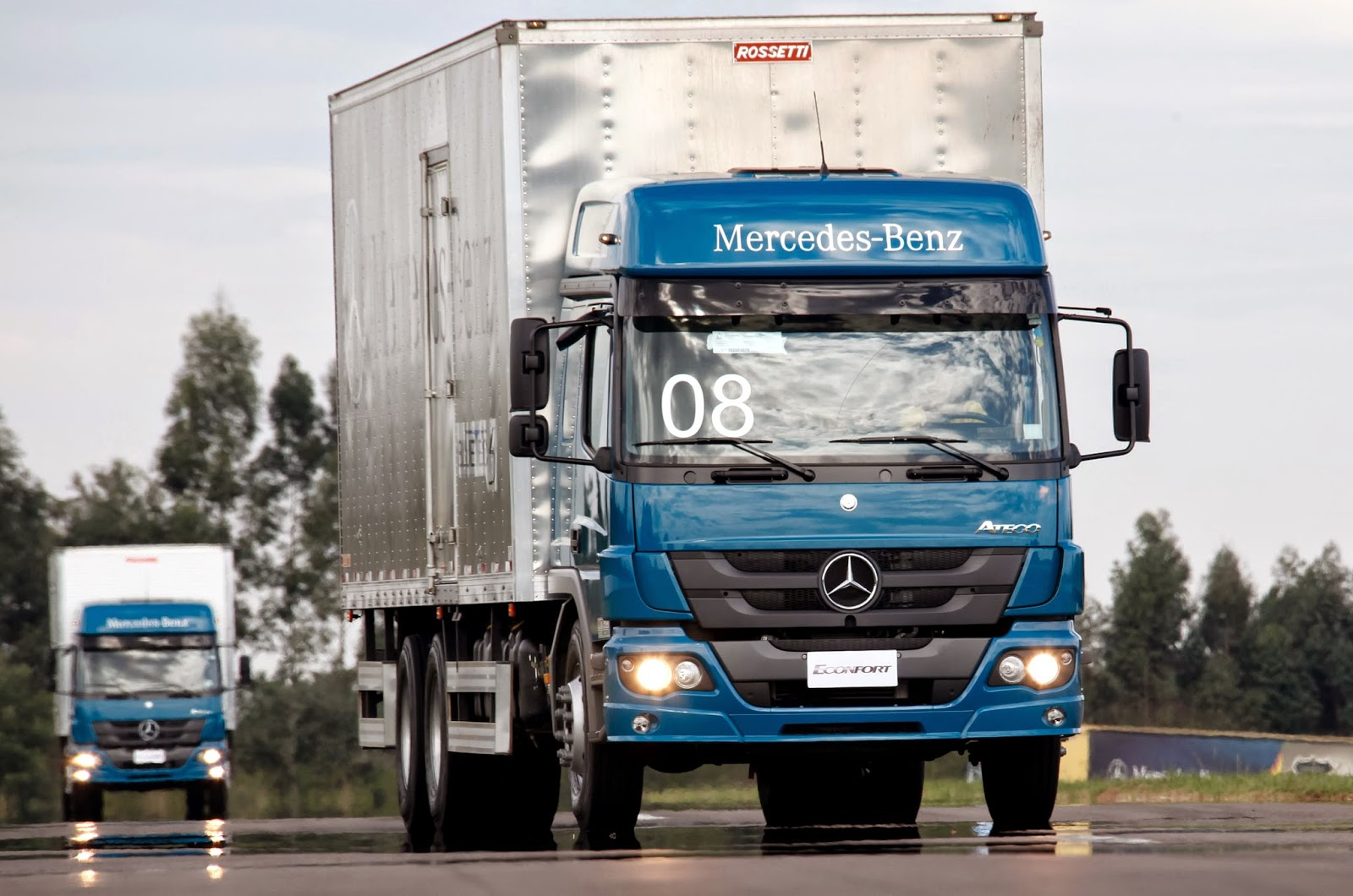 Os Novos Caminhões ECONFORT Da Mercedes Benz Ganham Destaque Na 13ª Edição  Do Santa Rosa Truck Show. Este Tradicional Evento, Que Reúne Feira E  Test Drive, ...
