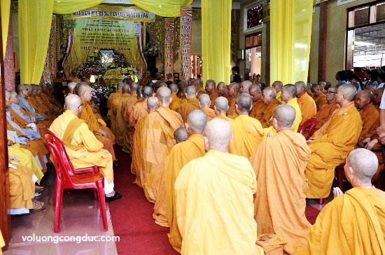 Cung tiễn Trà tỳ Kim Quan Cố HT - Thích Giác Dũng - voluongcongduc.com -04