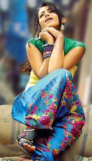 trisha krishnan pawan kalyan theenmaar movie stills pictures2