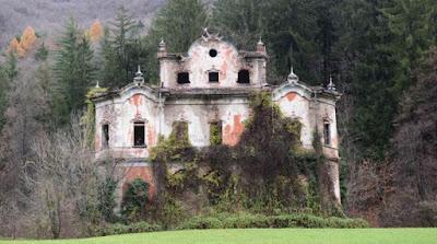 Fantasy la casa stregata for Case abbandonate italia