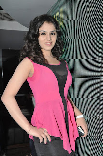 11 Sidhika Sharma Transparent Low KneckTop
