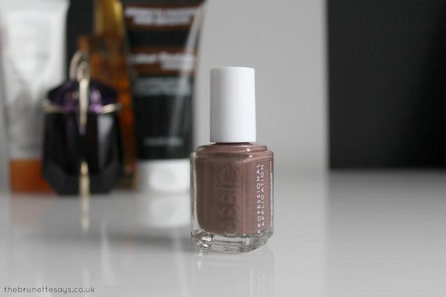 essie, mink muffs, nail polish, nail varnish, nails