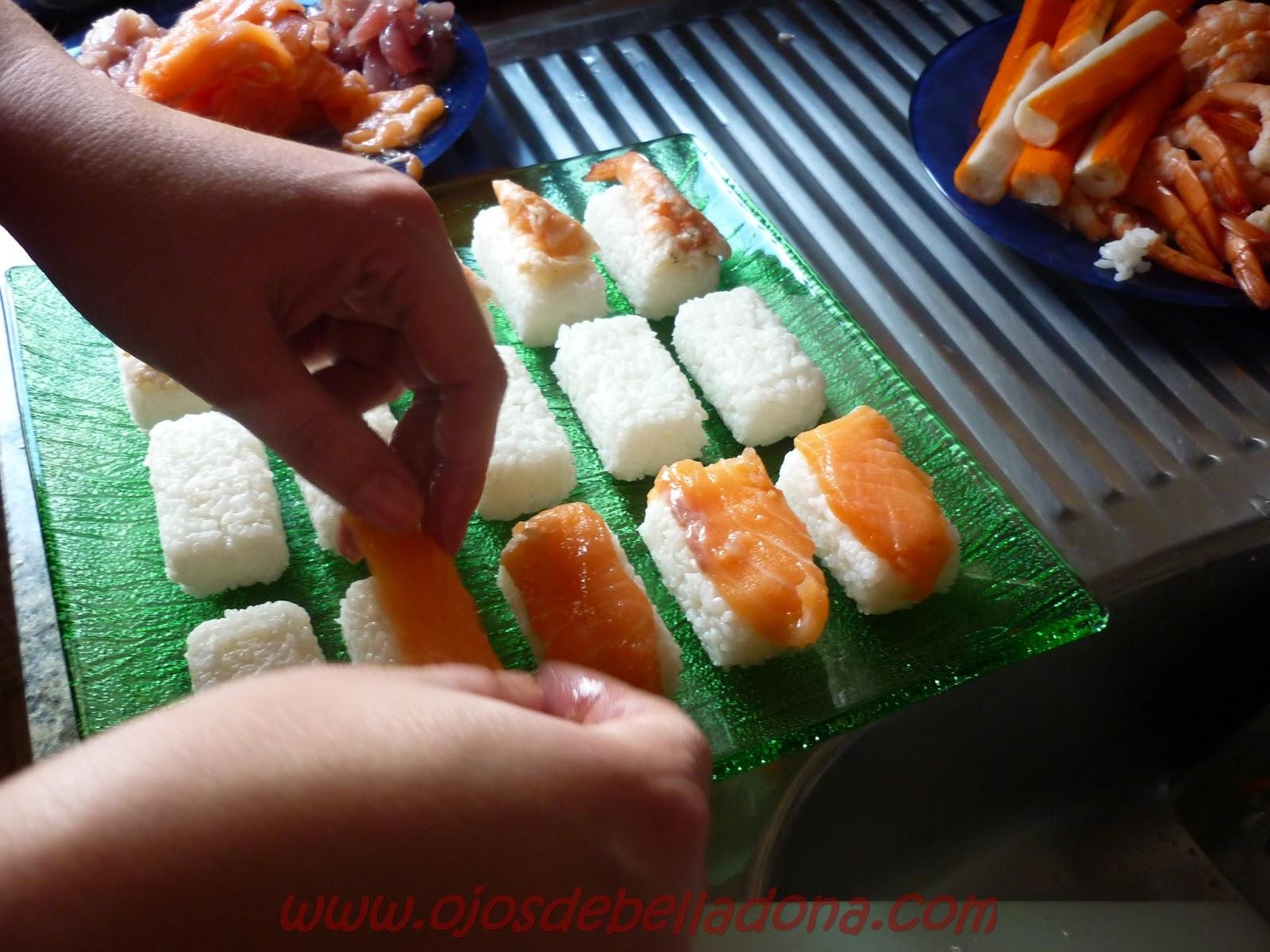 Nigiri de salmón, caballa y langostinos