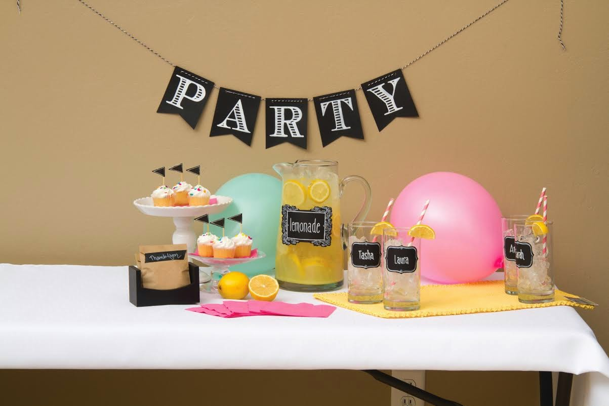 http://4.bp.blogspot.com/-HivWNhR49Og/Uz-A5eLdB6I/AAAAAAAAAfk/XJi9CgcdJMU/s1600/Lemonade+party.jpg