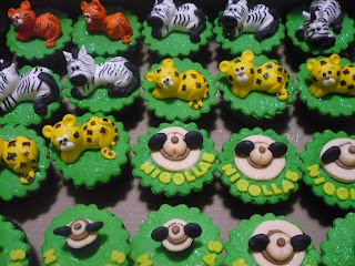 doce cupcake decorado safari