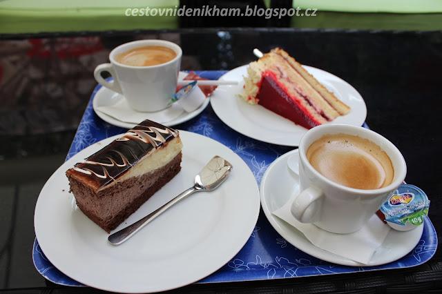 """cukrárna Aida // cake shop """"Aida"""""""