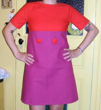 I sew my new 60s dress , red and purple match ! 1960 60s fashion mini dress twiggy sew sewing mode années 60 1960 couture robe