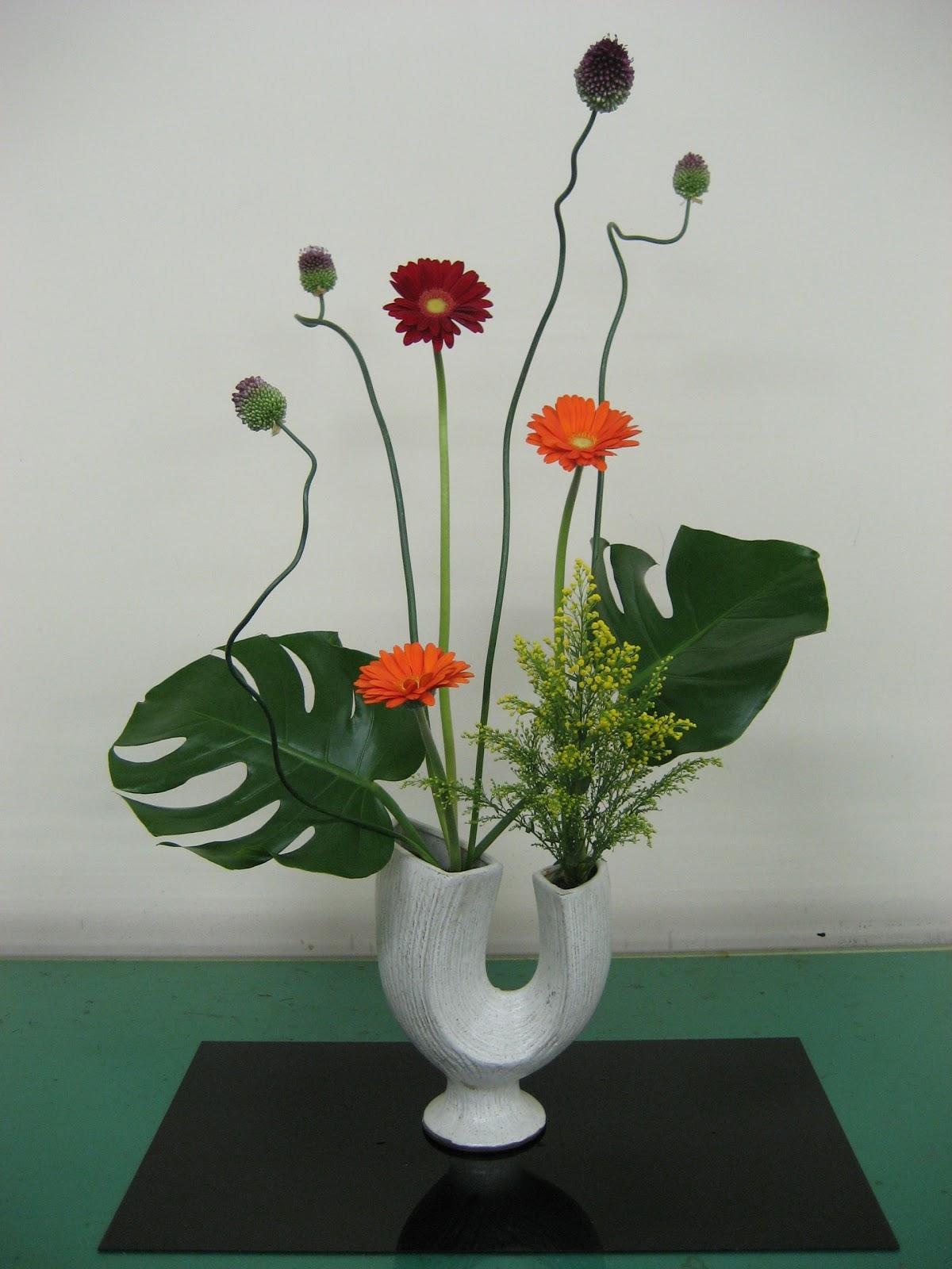 Katerina Lanfranco: Ikebana - Sculpting with Flowers Asian Flower Arrangements