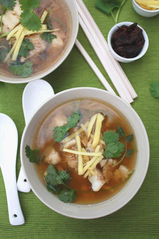 Тайский суп из рыбы с тамариндом и имбирём ( Tom Som Pla)