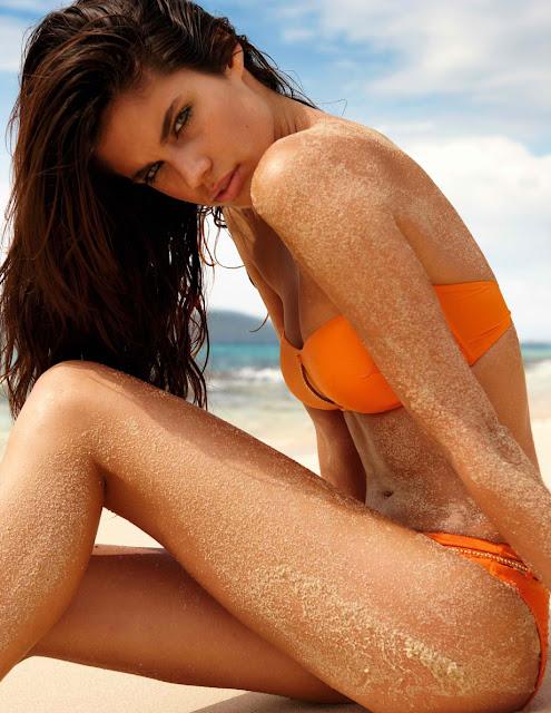 Sara Sampaio in bikini