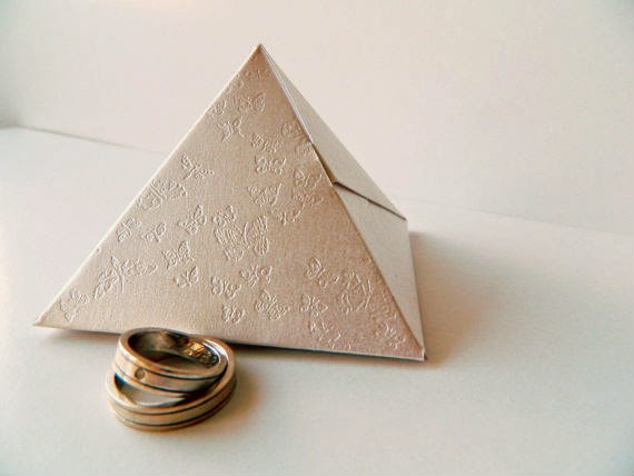 unique pyramid favors