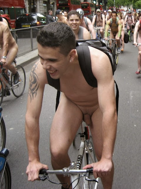 Fotos Amadoras de Naturismo Gay com Ciclistas