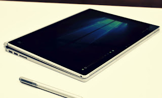 Microsoft is going to Defeat Apple in the tablet stakes, an Australian tech expert has forecasted.