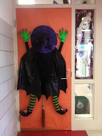 Ideas para decorar puertas en halloween blog atendiendo for Ideas para decorar puertas