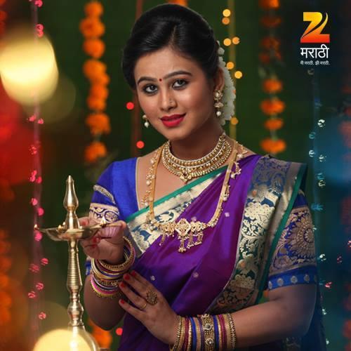 Mrunal dusanis latest photos karamnook marathi movies currently mrunal dusanis playing a character of jui in asa saasar surekh bai along with santosh juvekar thecheapjerseys Gallery
