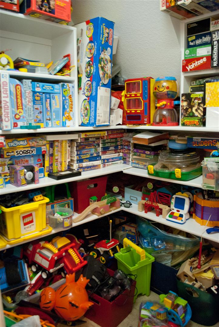 Craftyc0rn3r closet renovation part 3 Closet toy storage ideas