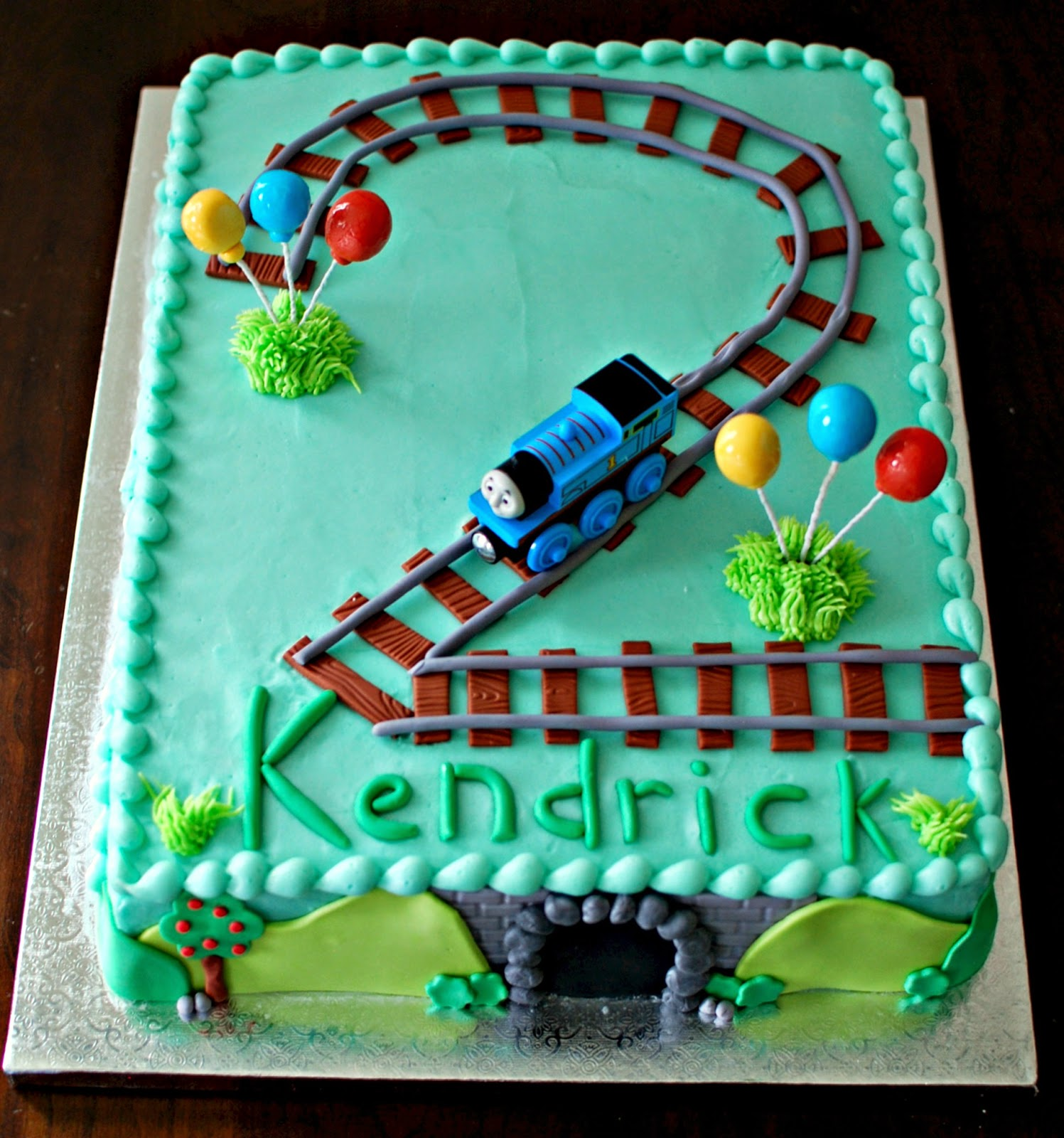 Birthday Cake Ideas For 2nd Birthday Boy : Snacky French: Thomas 2nd Bithday Cake