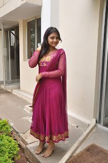 Priyanka gorgeous looking cute Pictures 023.jpg