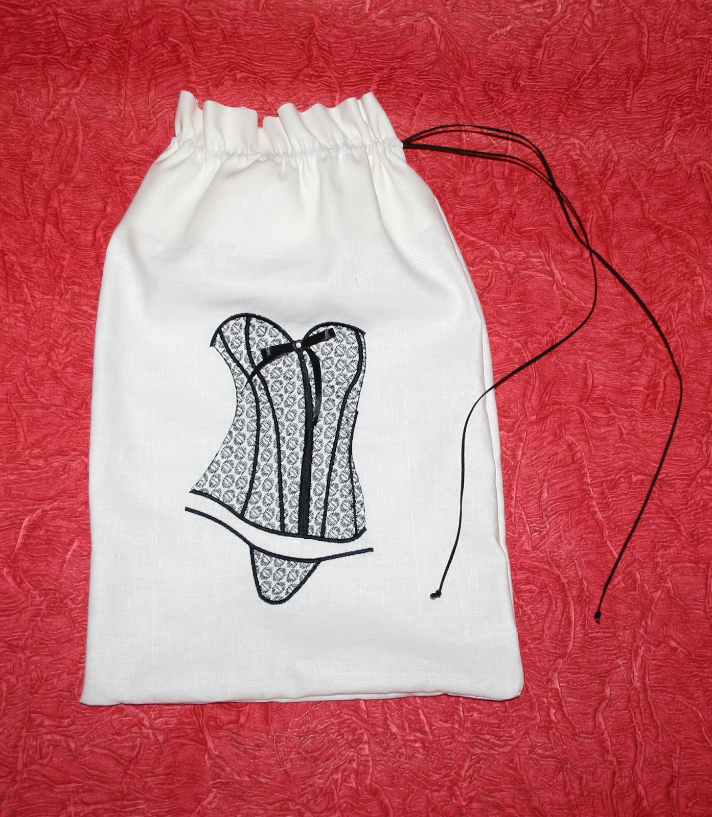 Вышивка на мешочек для белья 22