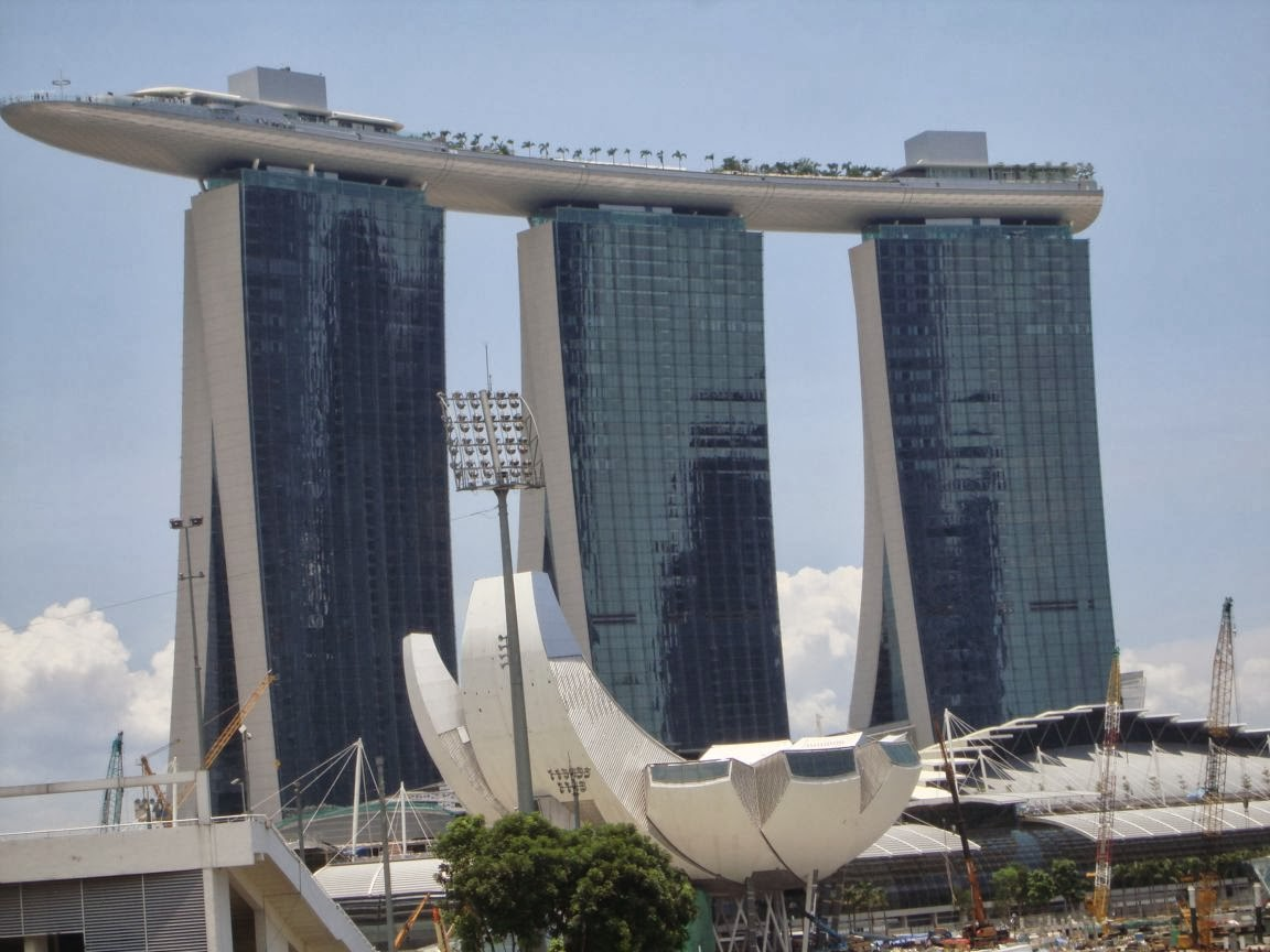 Marina Bay Sands, 5* Luxury Hotel in Singapore