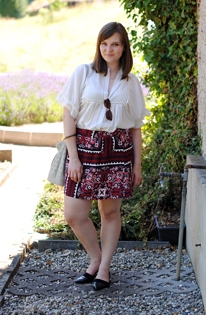 folkloric summer look ethnic skirt
