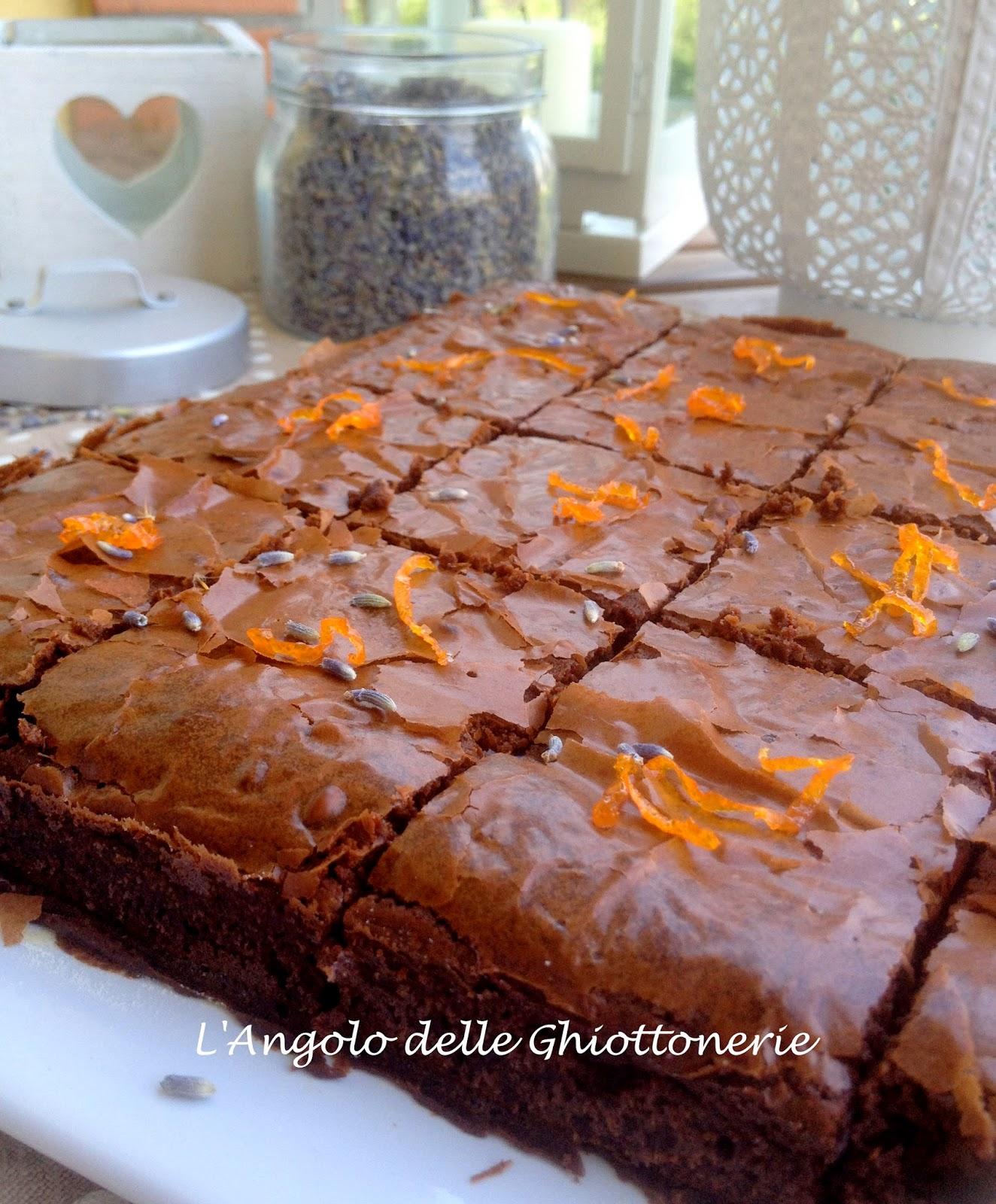 di dolci risvegli e aria di provenza. brownies alla lavanda, con arancia caramellata e fleur de sel