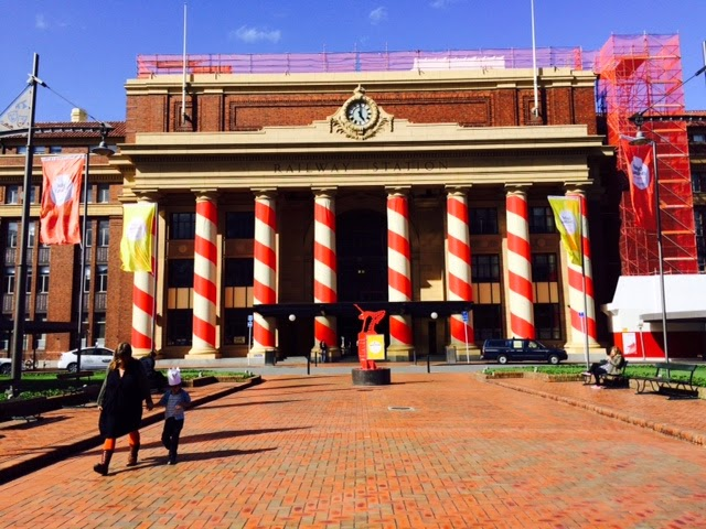 Stripes around Wellington Railway Station columns