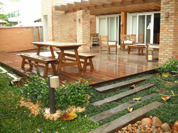 jardim deck de madeira:Cinples: Deck's