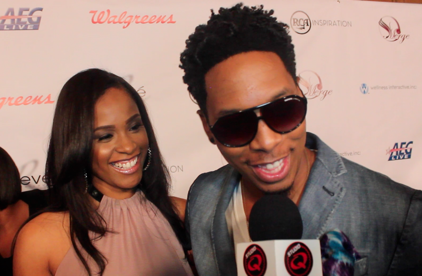 Deitrick Haddon - R.E.D. (Restoring Everything Damaged) Deluxe Version (2013) during award presentation ceremony