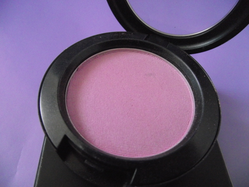 mac-full-of-joy-purple-blusher