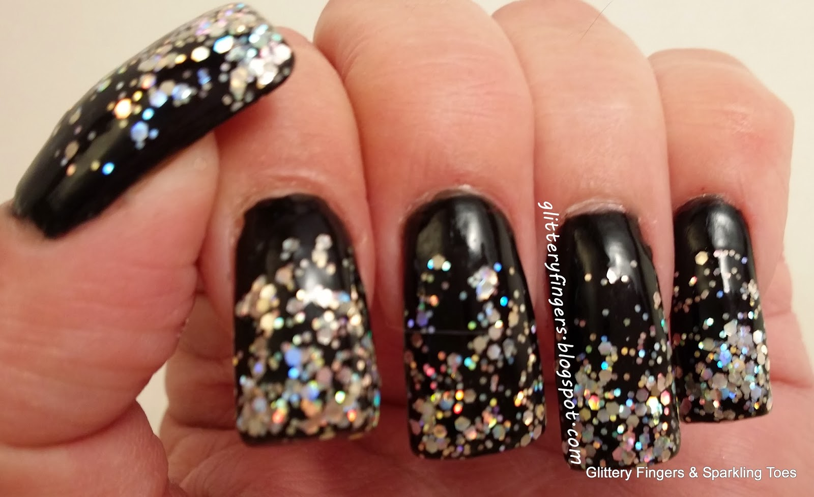 Glittery Fingers & Sparkling Toes: New Year\'s Eve Bling Gradient