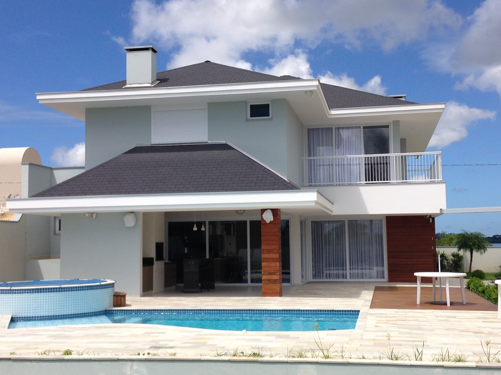 #385F93 PVC Portas e Janelas Tudo em esquadrias em PVC: Mais uma casa de  1530 Valor De Uma Janela De Pvc