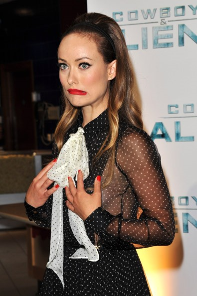 Tags: Aliens Premier , cowboys , Olivia Wilde , polka maxi dress