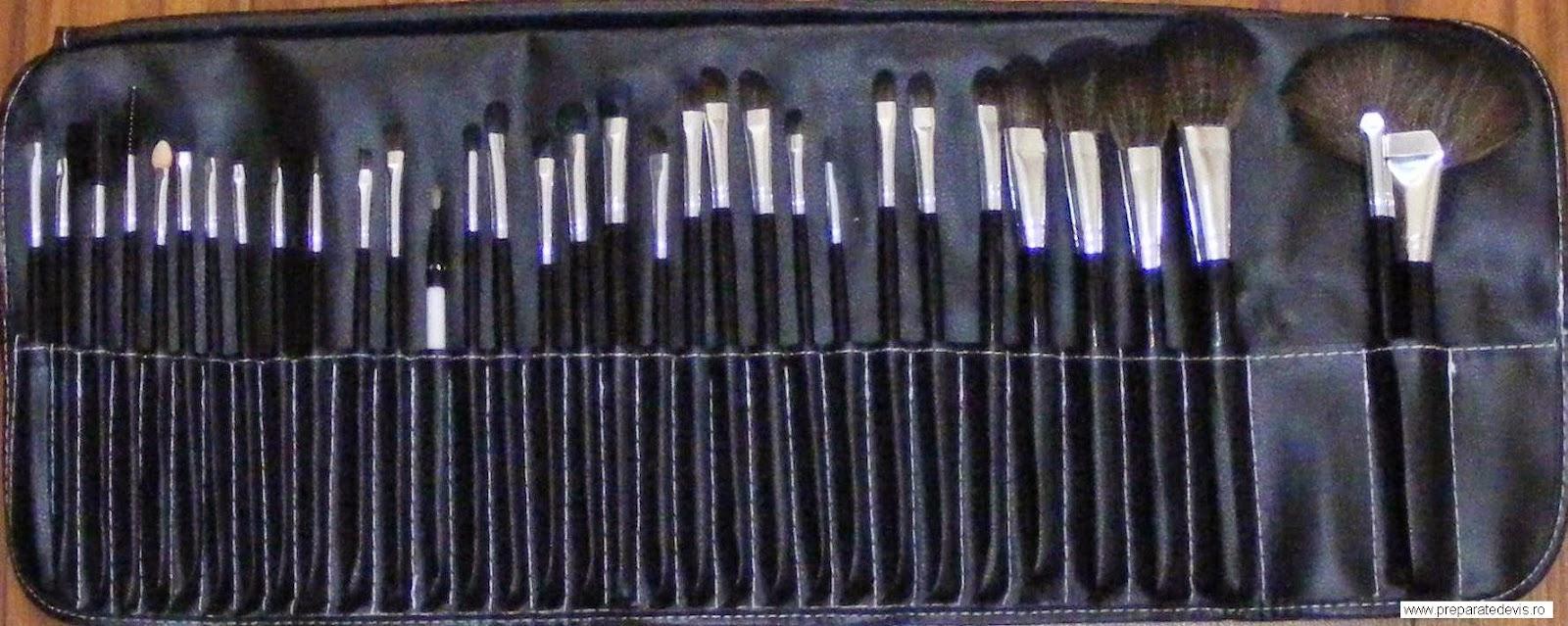 pensule machiaj, truse de machiaj, set pensule machiaj, trusa de machiaj din par natural, trusa de machiaj, produse cosmetice, machiaj profesional, pensula machiaj, set pensule, pensule, pensula, pensula machiaj ochi, make up, trusa pensule machij din par natural, pensule make up,