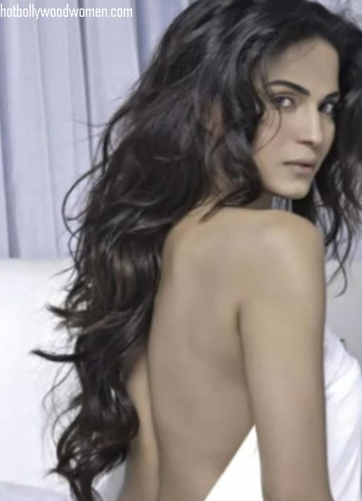 Veena Malik Hot Pic Gallery