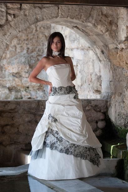 robes de mariage robes de soir e et d coration robe de mari e les mari es de provence. Black Bedroom Furniture Sets. Home Design Ideas