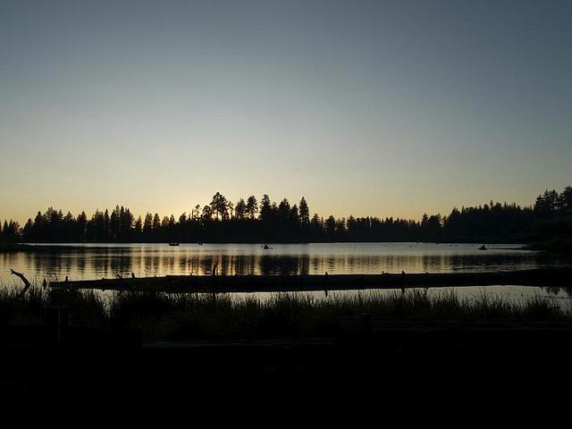 Manzanita Lake en el Lassen Volcanic Park