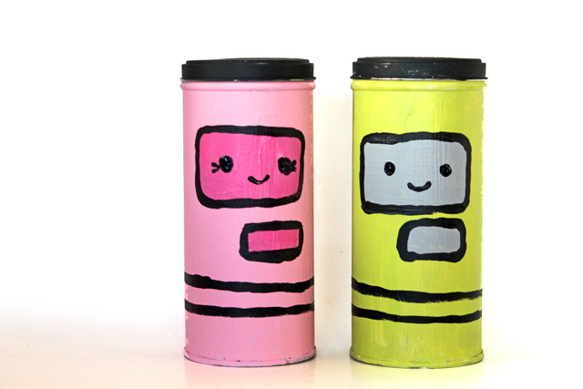 Make Valentine Robot Tins out of empty @pirouline tins using this DIY by @punkprojects
