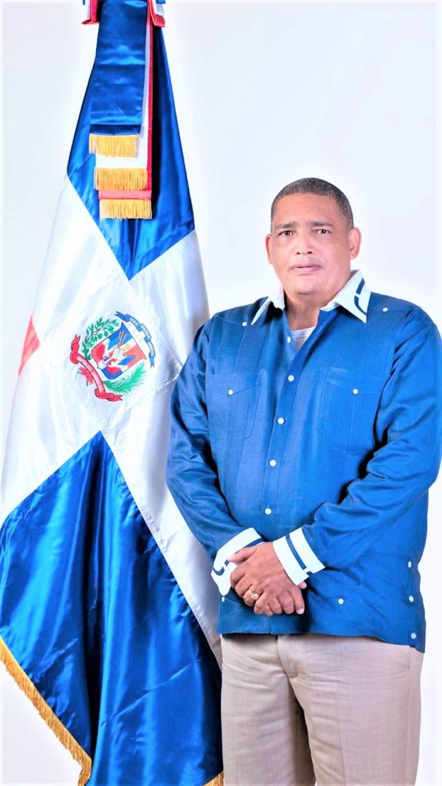Lic, Yonis Luis Reyes Ramírez