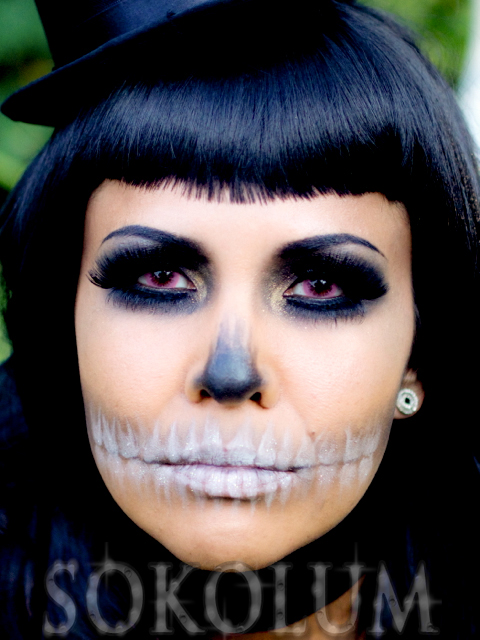 Fashionable skull makeup