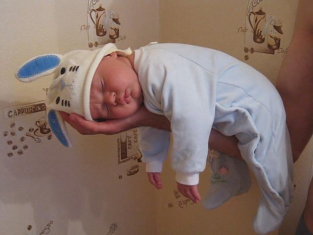 Kako tate čuvaju decu :) Image014-762151