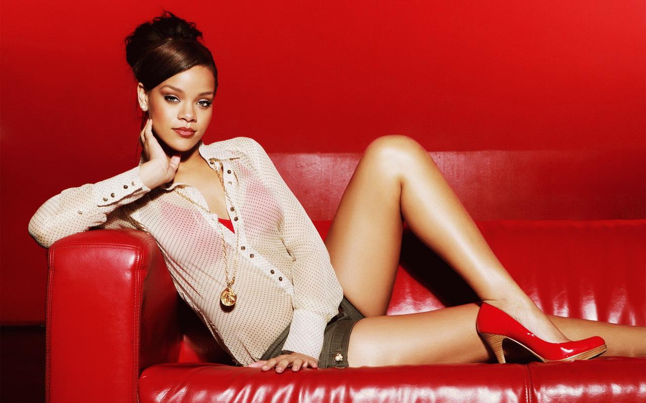 http://4.bp.blogspot.com/-HnNkeuHtM4A/UM7zrwVWzLI/AAAAAAAACts/hjlzWKYR8tw/s1600/Rihanna+New+Hot+HD+Wallpaper+2012-2013+05.jpg