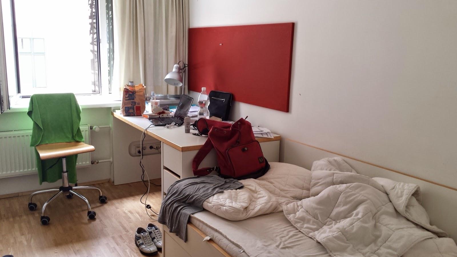 ihcahieh: Depressed | Demented | Deranged: Universität Wien: Mein Zimmer