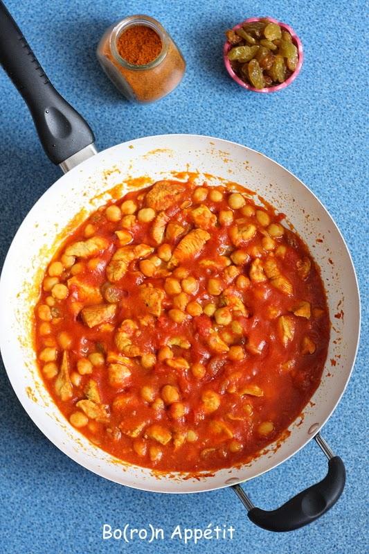 Kurczak po marokańsku z ciecierzycą i pomidorami
