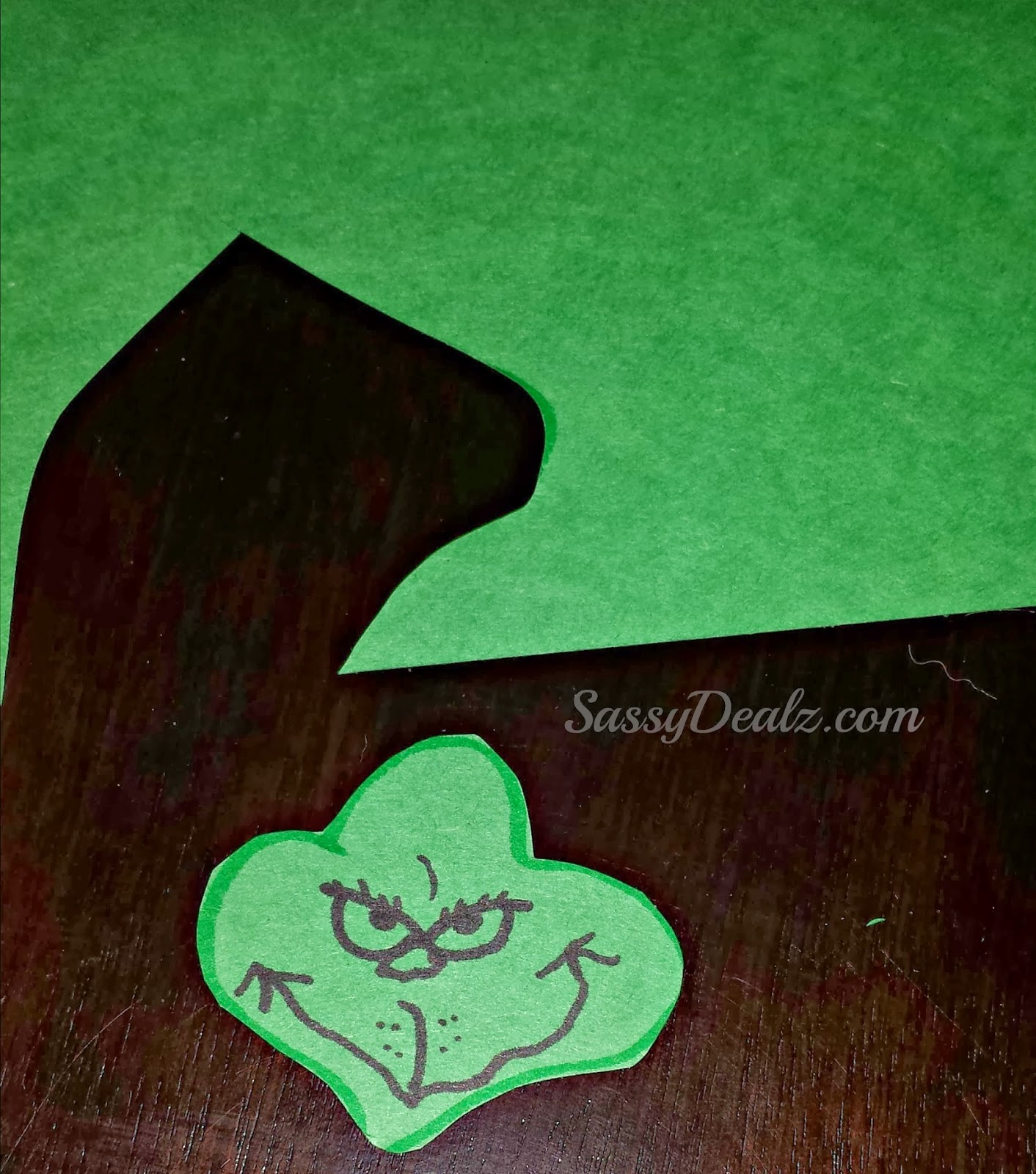 Grinch Face Outline Grinch craft for kids face