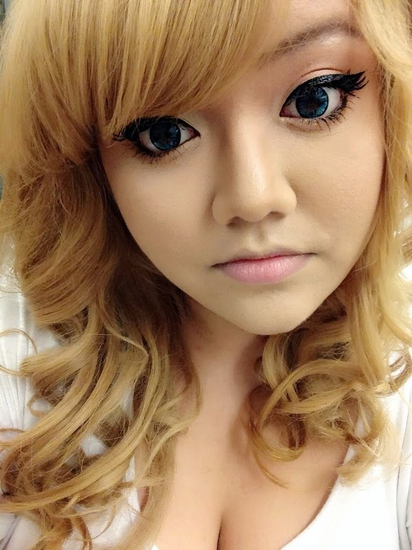 Spring Makeup for Dark eyes with Chariot Blue Circle Lenses